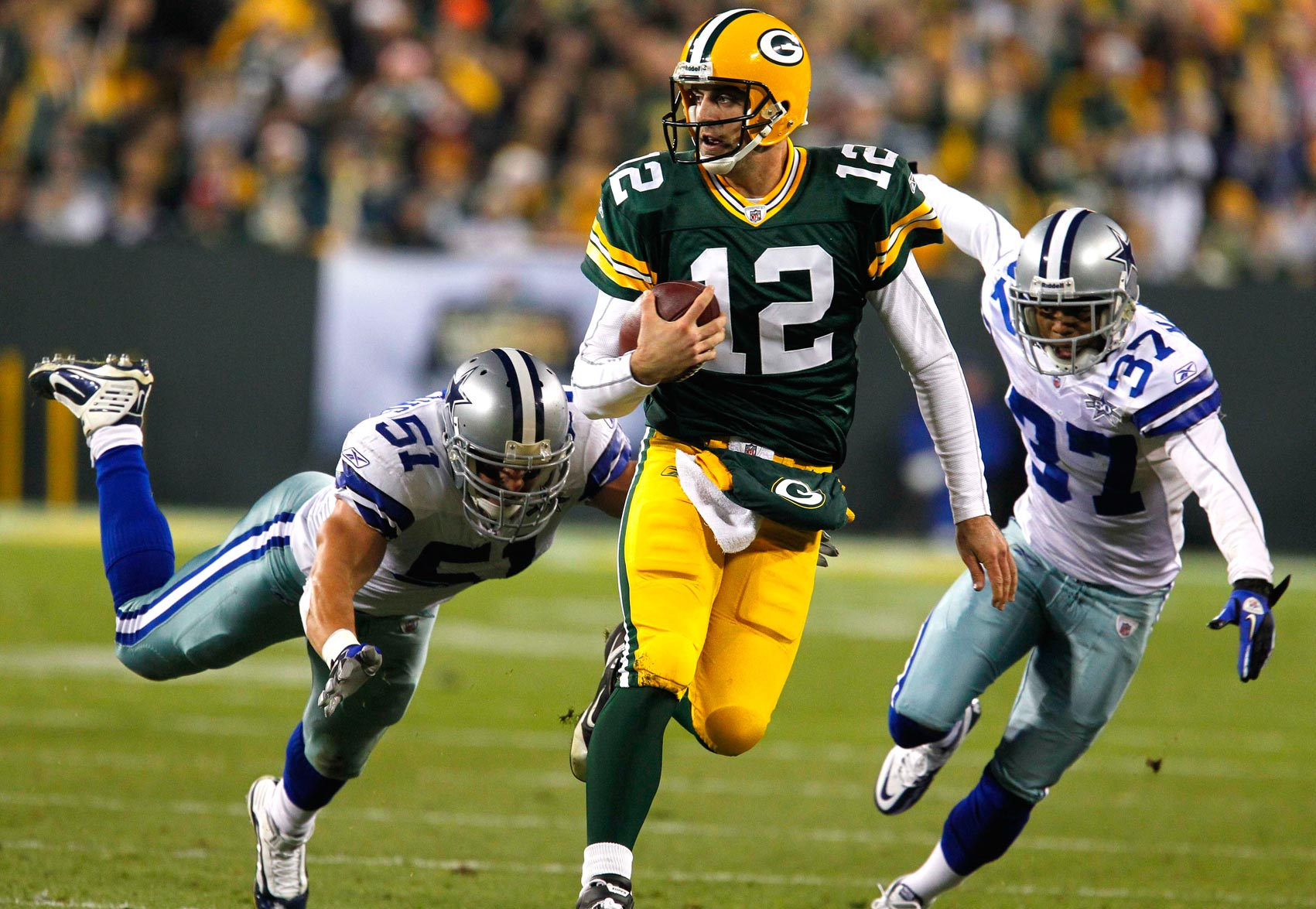 We old souls find that Rodgers' playoff play is similar to Roger's (Staubach's, that is)