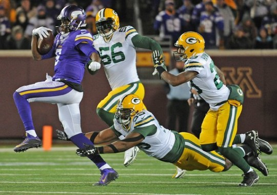 The Packers defense swarms Vikings QB Teddy Bridgewater