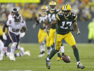 Davante Adams drops pass on Thanksgiving Night in 2015 versus the Chicago Bears