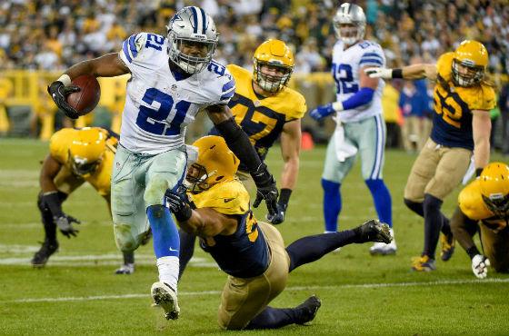 Cowboys RB Ezekiel Elliott rushed past the Packers