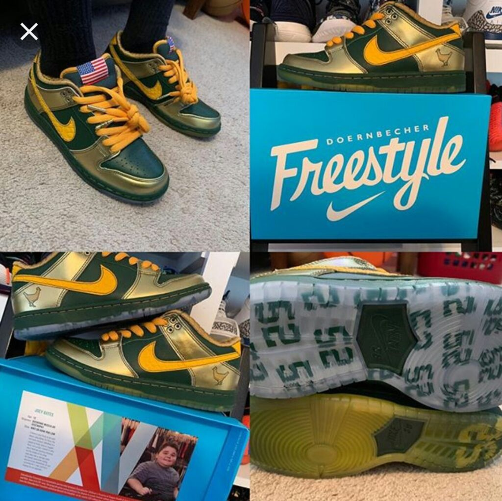 "0b49f7d5f068 ... design his own Nike shoe and took the opportunity to showcase his love  for both the green and gold and his favorite player. ""52"" appears on the  outsole."